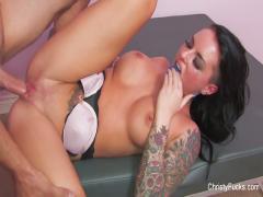 Rapport sexuel intense avec la chaude Christy Mack
